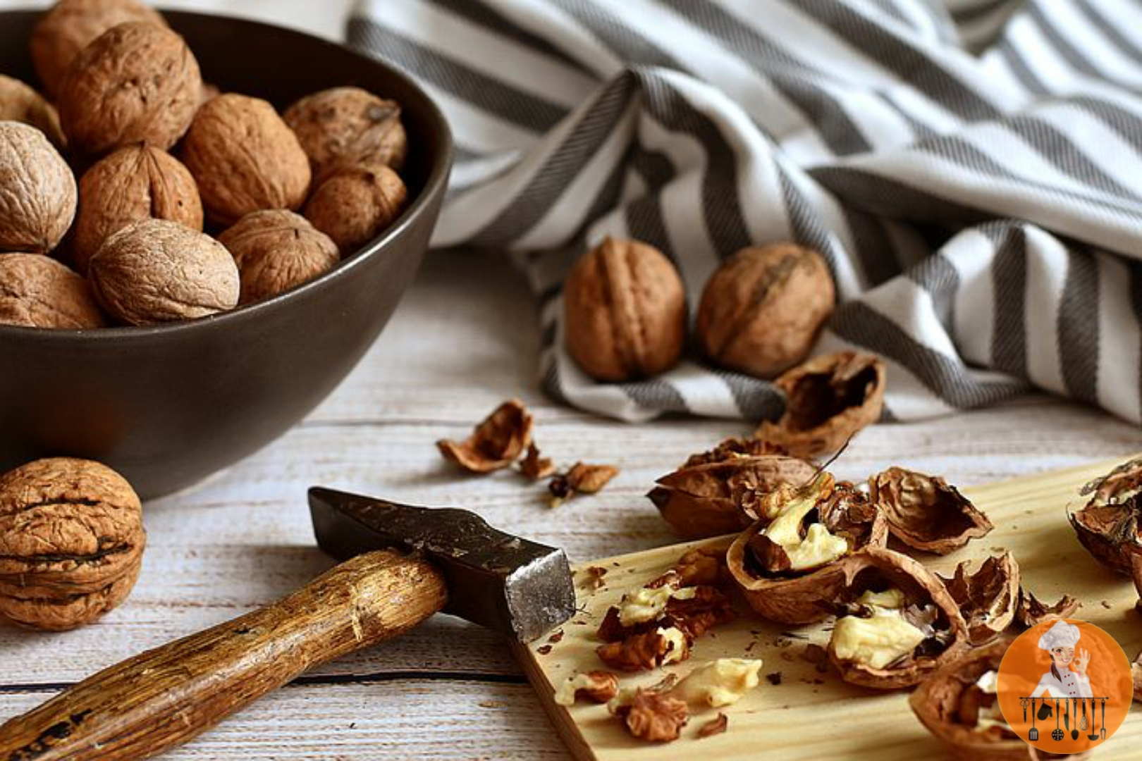 TOP 12 FOODS TO REDUCE HAIRFALL